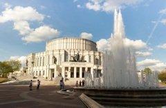 Национальный академический Большой театр оперы и балета Республики Беларусь (Фото: Maksim Zaytsev, Shutterstock)