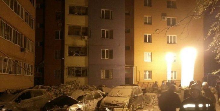 В Рязани произошел взрыв газа в жилом доме, разрушено 2 этажа и 7 квартир, есть жертвы. Хроника событий.