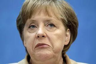 Меркель попросили уйти