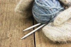 Овечью шерсть пряли, а из ниток вязали теплые носки и варежки... (Фото: Laborant, Shutterstock)