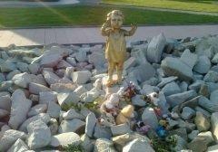 Мемориал узникам концлагеря «Красный» в селе Мирное (Фото: mirnoe.com)