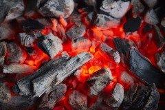 На Анну беременным женщинам запрещалось разжигать огонь и приниматься за любую работу, чтобы не навредить будущему ребенку (Фото: Anrey, Shutterstock)