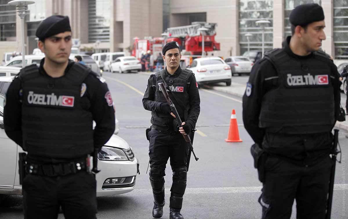 ВТурции 118 уполномоченных прокурдской партии подозревают втерроризме