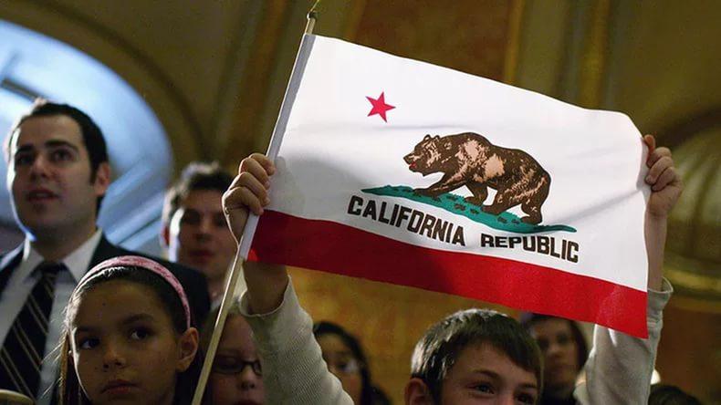 Треть американцев непротив выхода Калифорнии изсостава США— Опрос