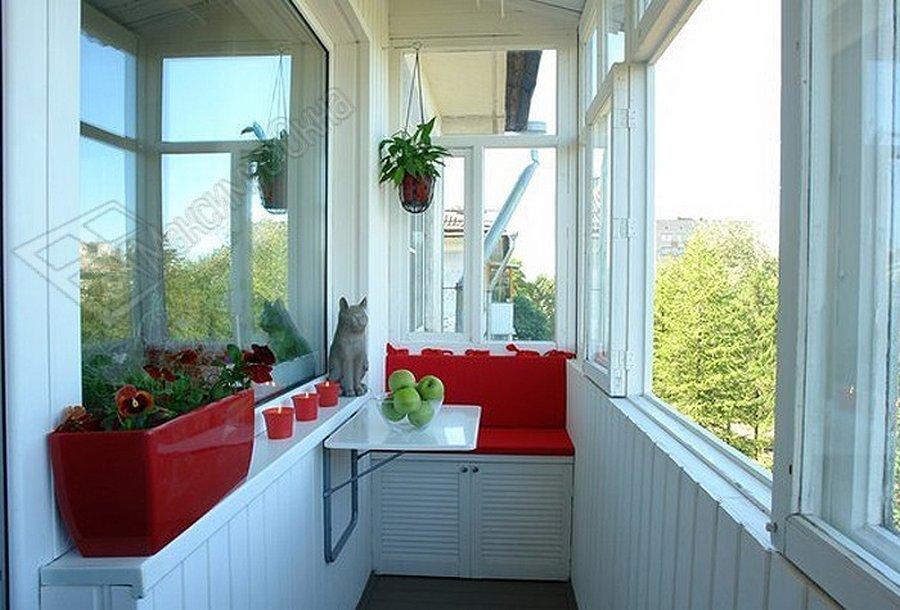 Как обустроить балкон или лоджию?.