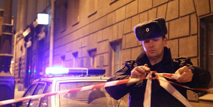 СМИ сообщили о взрыве около библиотеки в Санкт-Петербурге. Хроника событий, новости расследования, видео с места происшествия.