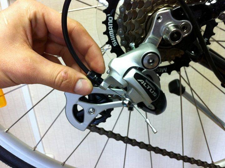 лапка на велосипед для передачи скоростей внутри