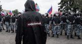 Питер, дождевик, Навальный