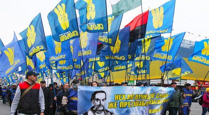 Ярые укропатриоты массово бегут в Россию