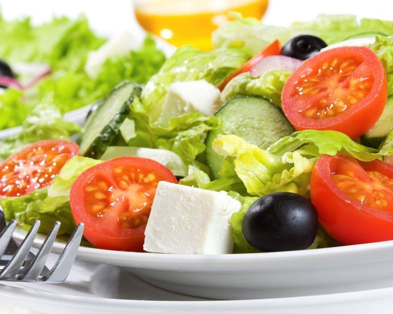4 причины не смешивать в салате огурцы и помидоры картинки