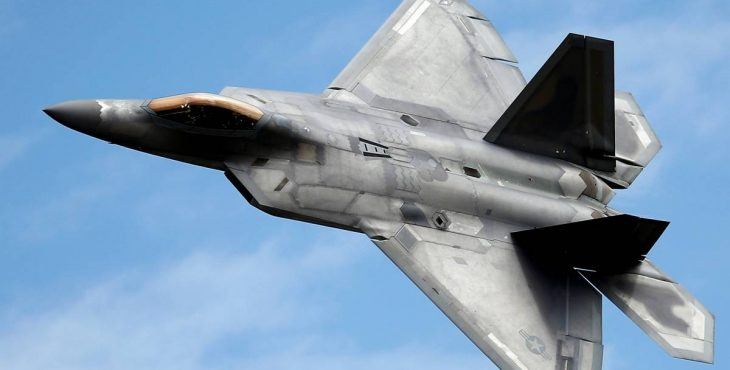 Каким образом Россия пытается сделать американские F-22 и F-35 устаревшими