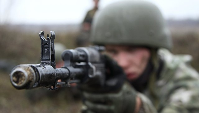 Наблюдатель ОБСЕ отдал честь боевику «ЛНР»