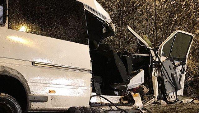 Страшная авария произошла с микроавтобусом и лесовозом в Марий Эл — последние новости, фото и видео с места событий.