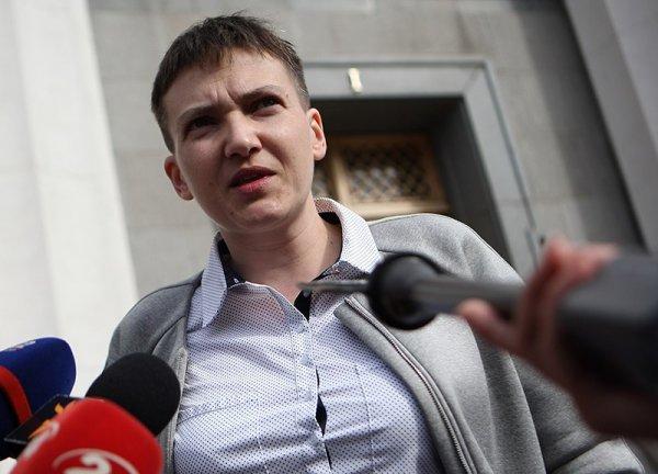 Савченко обвинила Порошенко впопытках утаить свое бездействие