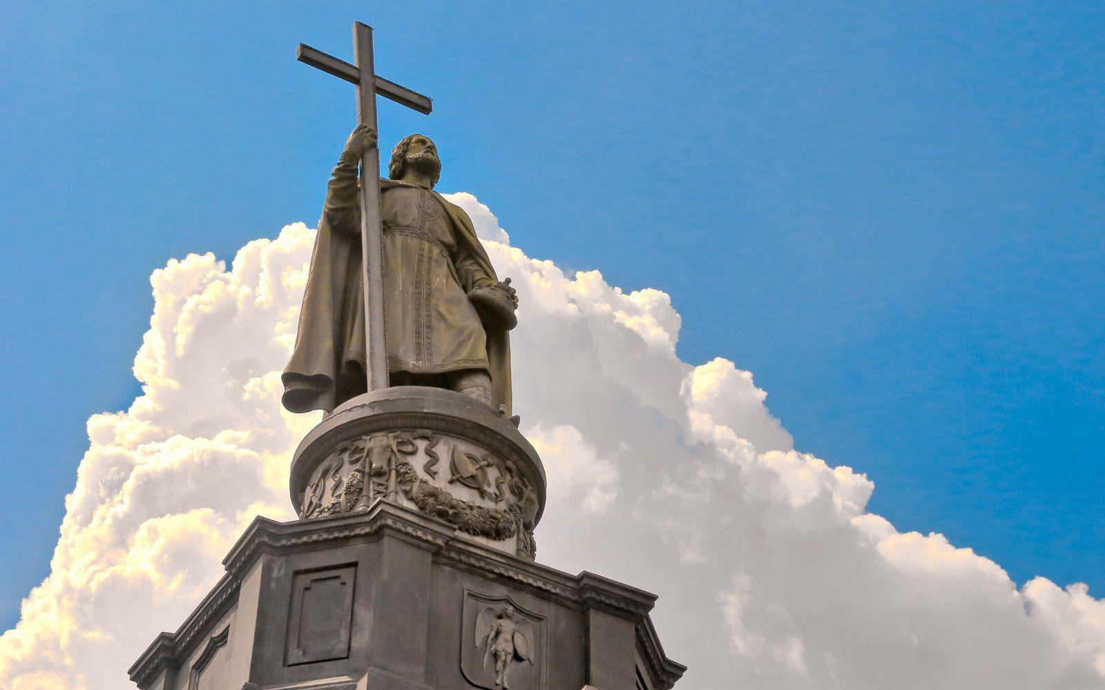 ВКиеве начался сбор подписей вподдержку демонтажа монумента правителю Владимиру