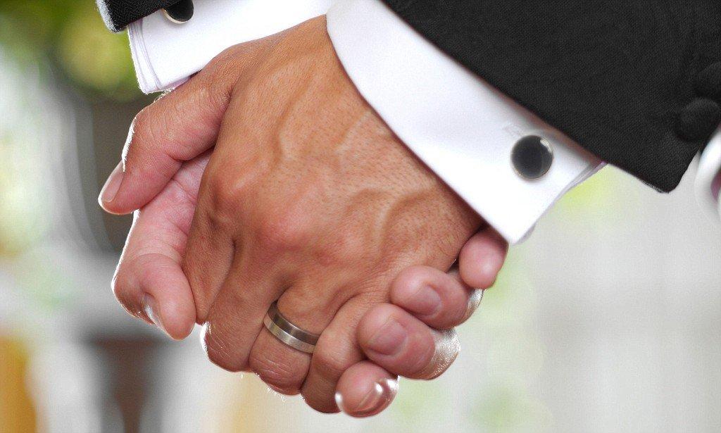 85-летний ирландец женится насвоем приятеле, чтобы неплатить налоги