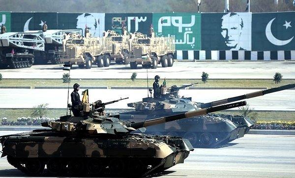 Пакистан хочет закупить русские танки Т-90