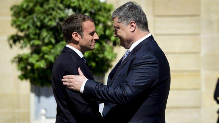 Порошенко пригласил Макрона на Украину