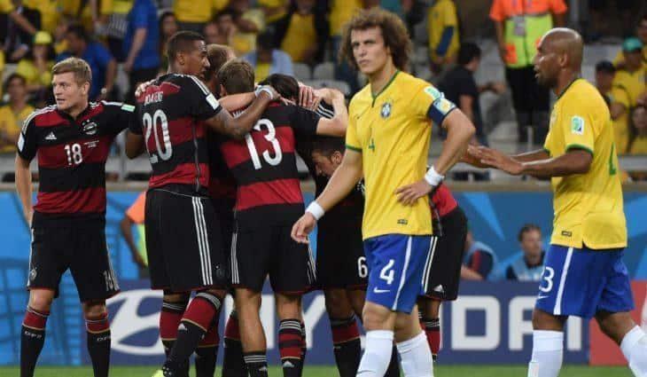 В борьбу за Кубок мира по футболу вступают Германия и Бразилия