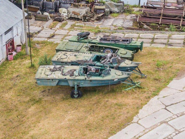 Военный катер с колёсами, который мог передвигаться по суше