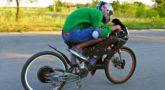 Забацал Сверх-Мощный Электро-Велосипед 🚴 Разогнал 100 кмч и чуть не влетел
