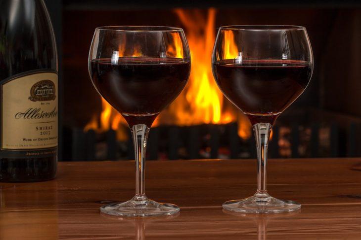 Небольшие дозы алкоголя очищают мозг от метаболического «мусора»