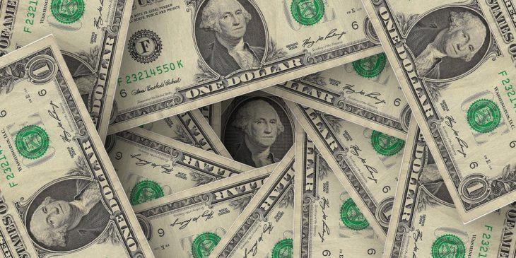 Валютные бега: что может произойти с курсом доллара США осенью