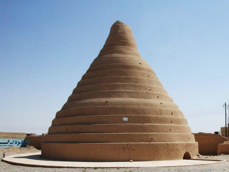 Как персы получали лёд в пустыне и хранили его летом