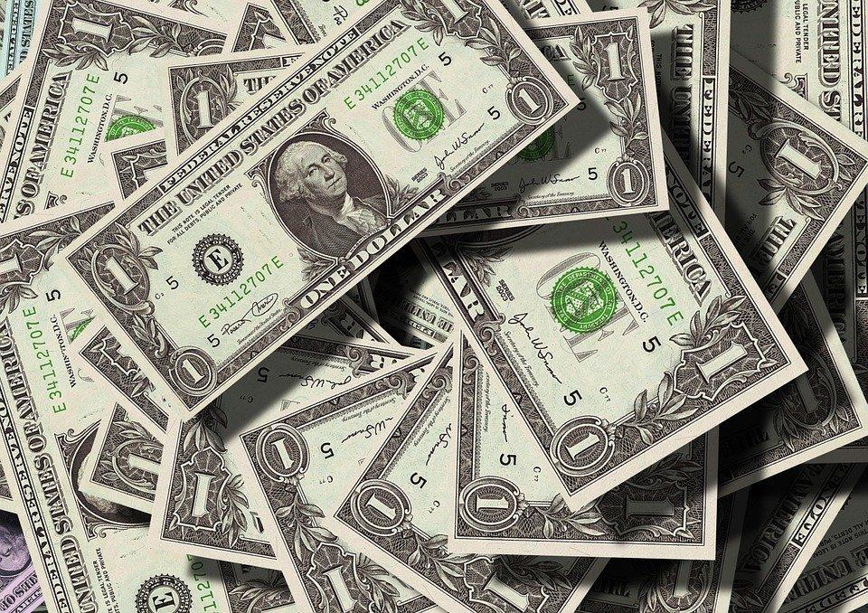 Курс валют на сегодня 1 января 2019: Центробанк установил новогодний курс рубля, онлайн-трансляция котировок доллара, рубля, евро, прогноз экспертов