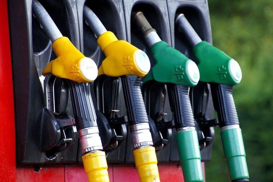 Нефть падает – бензин растёт: оценены перспективы подорожания топлива