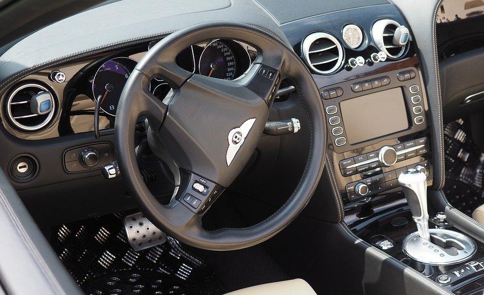Bentley салон - Фото Pixabay