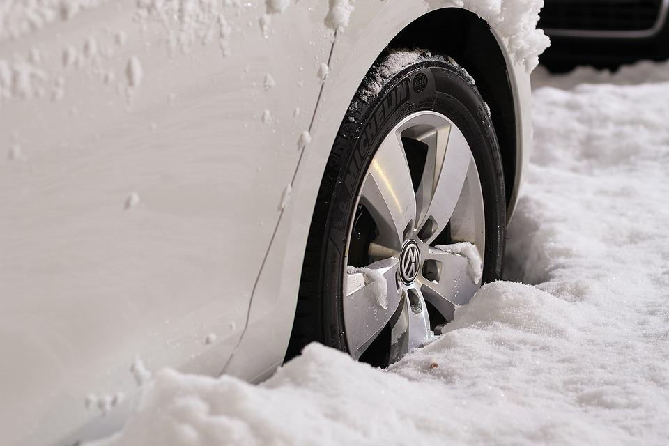 Эксперт рассказал о главных правилах при подготовке автомобиля к зиме