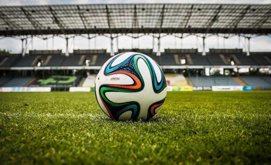 Англичане и португальцы решили возобновлять футбольный сезон