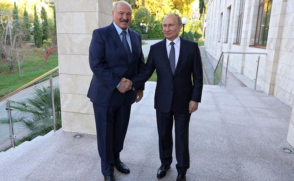 Путин и Лукашенко по телефону обсудили борьбу с коронавирусом |