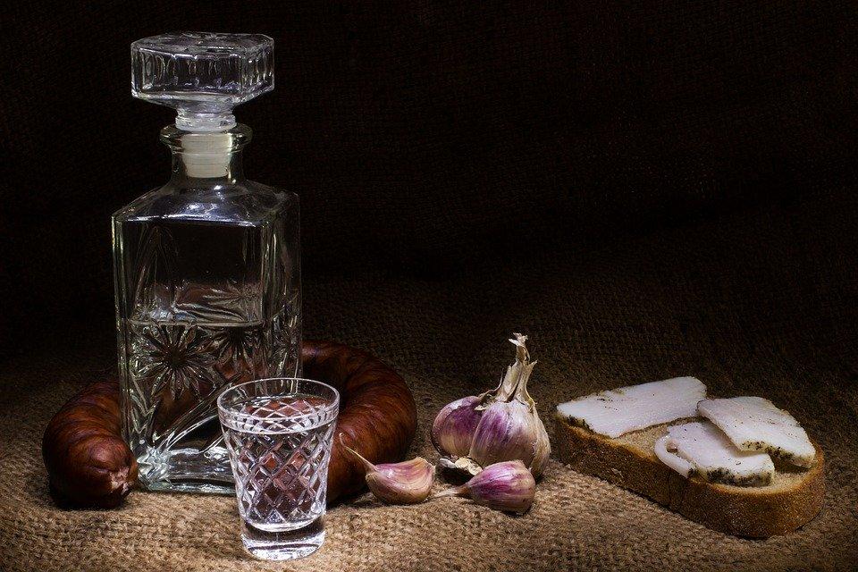 Антисептик, мыло или водка: что гарантированно смоет с рук коронавирус?