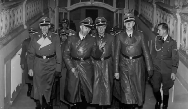 «История по-литовски»: Литовские власти «не замечают» доказательства переговоров с Гитлером и утверждают, что Вторую мировую войну развязал Сталин