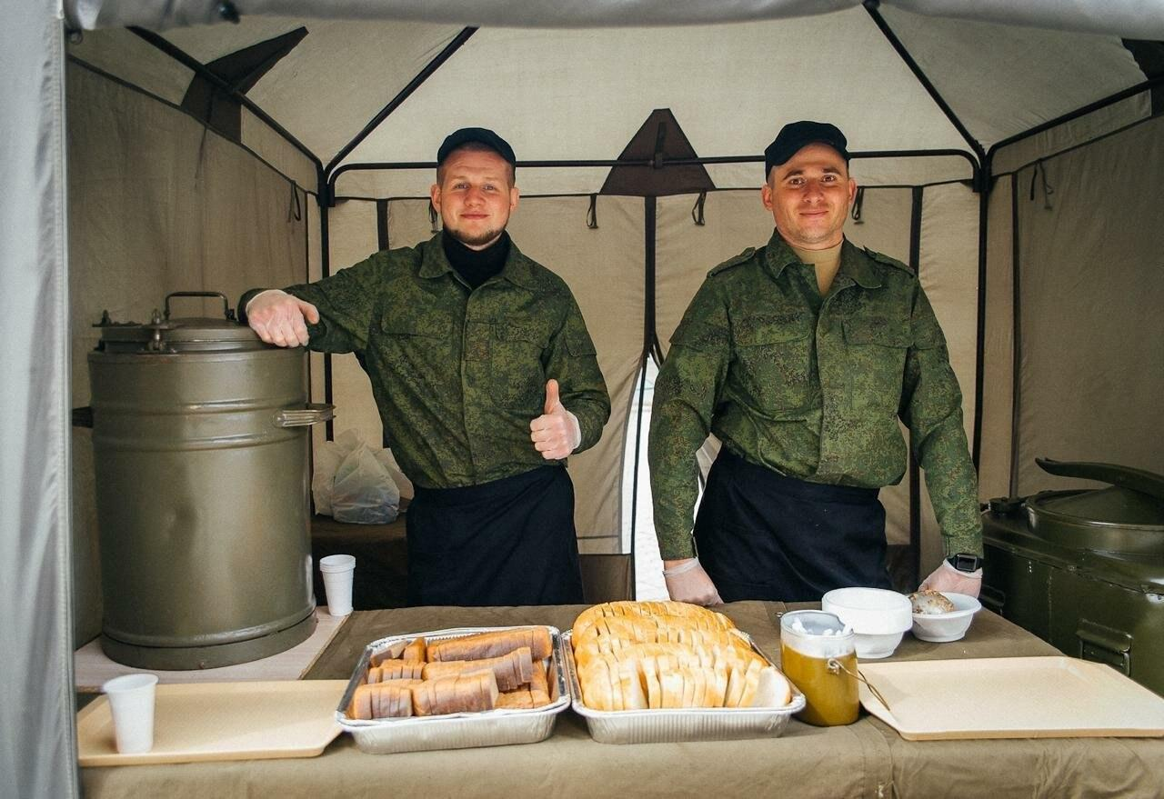 Война войной, обед по расписанию — на Прудбое прошли полевые учения поваров