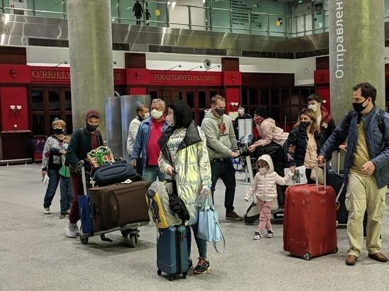Мишустин уволил обматерившего людей в аэропорту замминистра