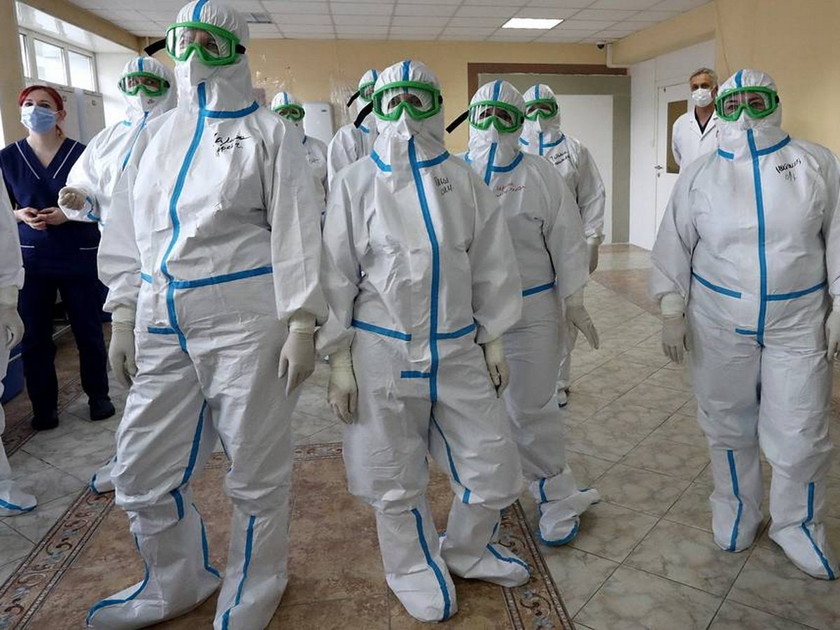 Вторая волна COVID-19 в России будет более интенсивной, заявил вирусолог