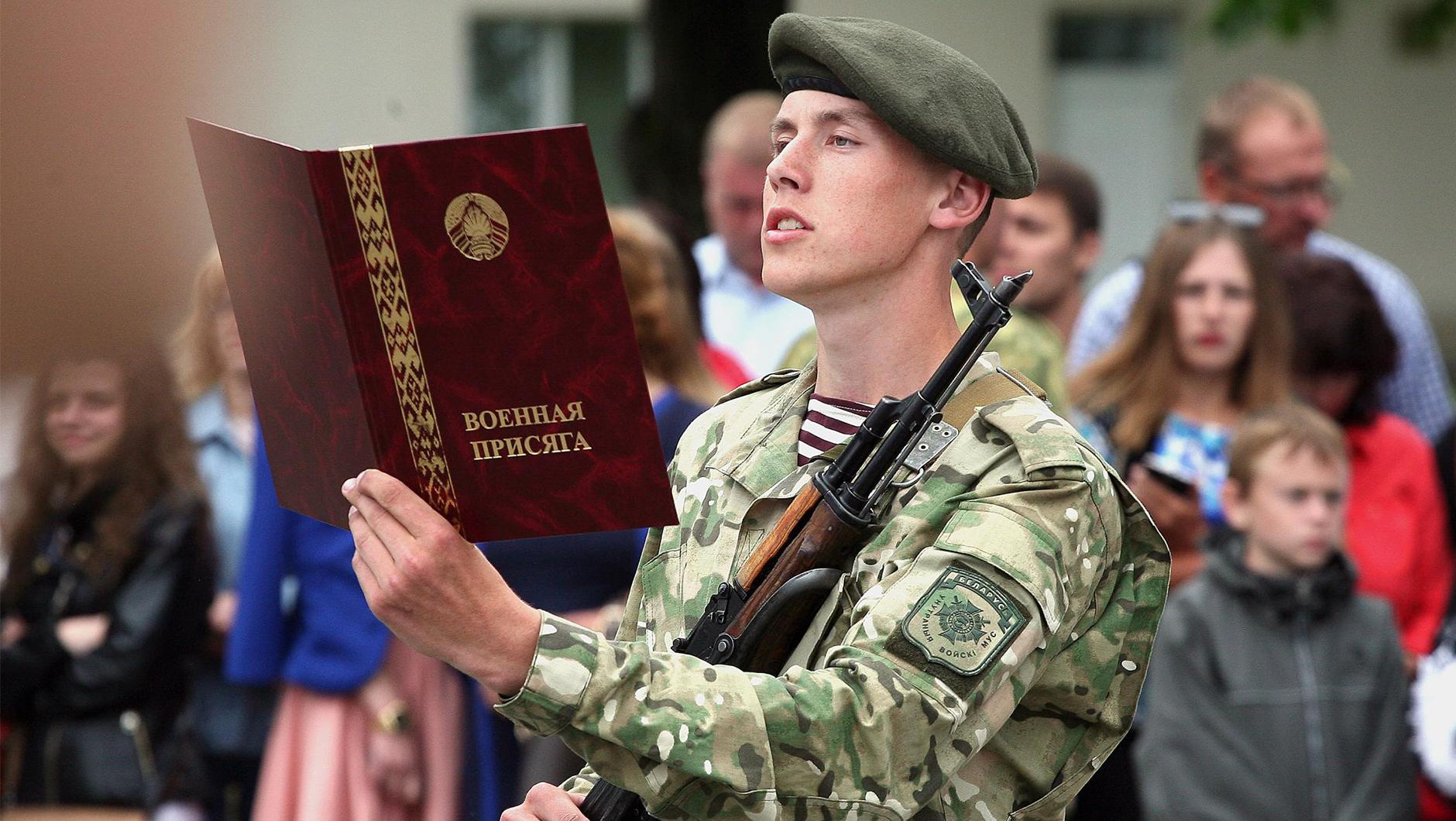 «Раньше голодных солдат отправляли за грибами, теперь армия России стала другой» — пресса Британии