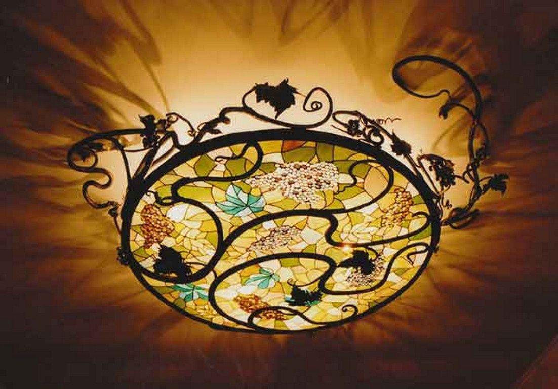 Витражные светильники — многоцветное пиршество света